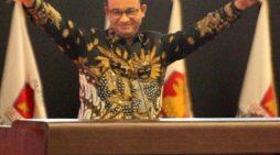 Salam Dua Jari Anies Ancam Elektabilitas Jokowi